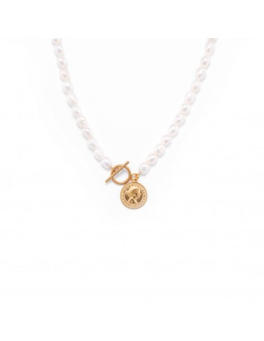 Pearl necklace with coin