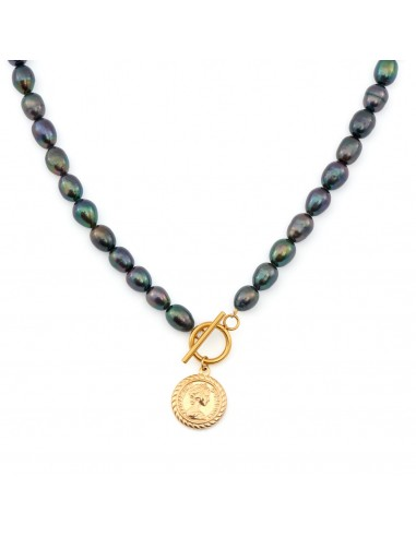 Black pearl necklace with a coin